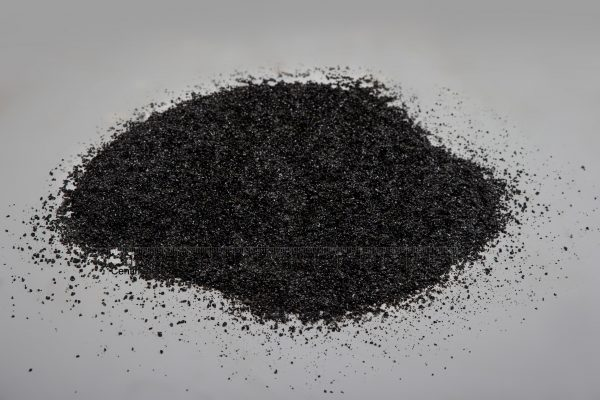 Blizgi skaldelė fr. 1-3 mm, juoda (šlapia) www.ponasakmuo.lt