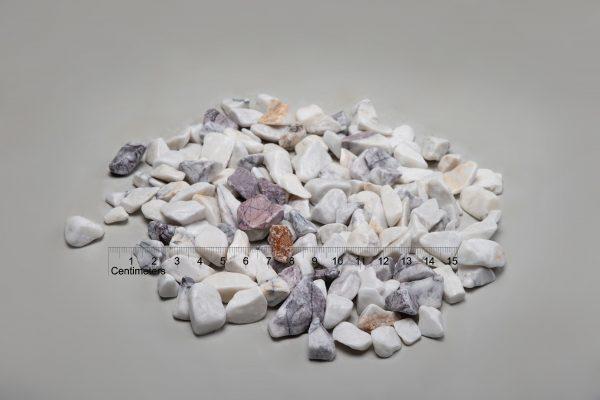 """Dekoratyviniai akmenys """"Leylak"""" fr. 20-40 mm (šlapia) www.ponasakmuo.lt"""