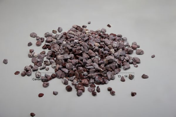Dekoratyviniai akmenys fr. 10-20 mm, raudoni (sausa) www.ponasakmuo.lt