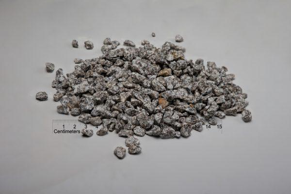 Granito skalda fr. 16-22 mm, šviesiai pilka (šlapia) www.ponasakmuo.lt