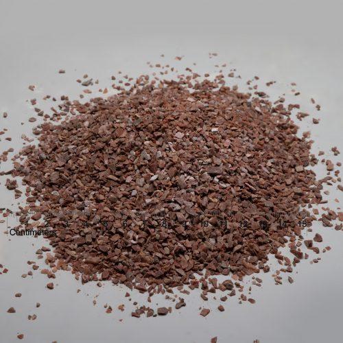 Kvarcito skalda fr. 5-10 mm, raudona (sausa) www.ponasakmuo.lt