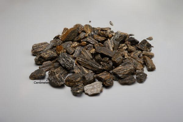 Medžio akmens skalda fr. 32-64 mm, marga (šlapia) www.ponasakmuo.lt