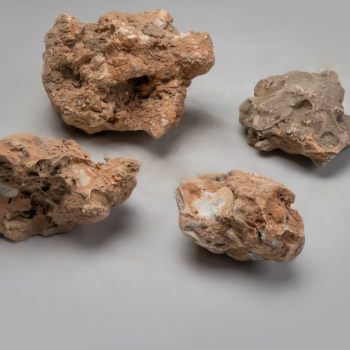Sodo akmenys, įvairių dydžių, margi-rudi www.ponasakmuo.lt