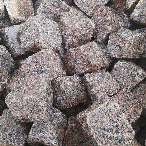 Skeltos granito trinkelės 10x10x10 cm, raudonos www.ponasakmuo.lt